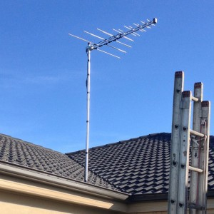 digital antenna installation on bricks roof