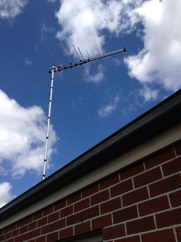 television antenna installer for enjoying fine quality